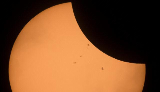 🚀 La Estación Espacial Internacional (ISS) protagonizó la fotaza de toda una vida