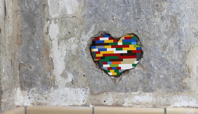 🚧 El artista que recorre el mundo reparando monumentos derruidos