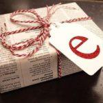 Estas fiestas envuelve tus regalos con papel periódico reciclado