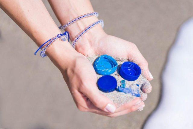 mitad de descuento ab195 16a89 🌊 Estas pulseras ayudan a limpiar los océanos – Inspimundo