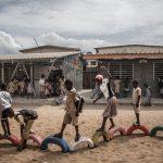 📘 Más Escuelas Menos Plástico: Un ladrillo a la vez
