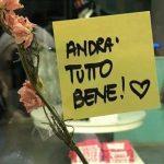 """📌 """"Todo saldrá bien"""": miles de post-it dan esperanza en Italia"""