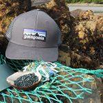 35 Toneladas de Redes de Pesca transformadas en Viseras de Gorras